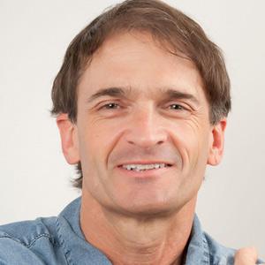auteur yoga Mark Stephens