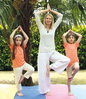 le yoga en famille - parent et enfant